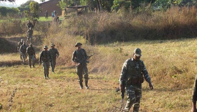 Security personnel are on their toes in Jharkhand, leaving no stone unturned in sanitising the routes and locations in the Maoist-hit regions ahead of the Lok Sabha elections in the state.(HT File / Photo used for representational purpose only)