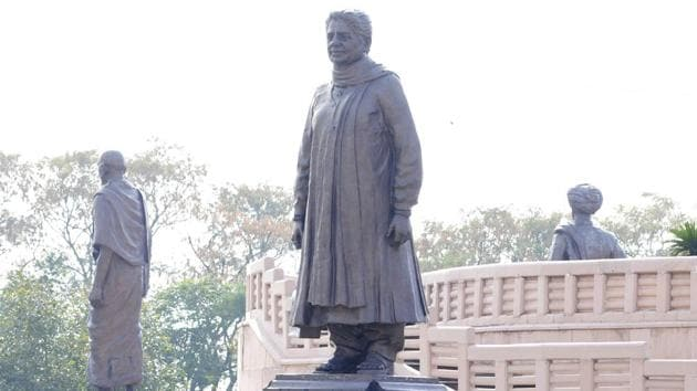 The Supreme Court was hearing advocate Ravi Kant's PIL alleging misuse of crores of rupees of public money spent for installing the statues, including in a park in Noida, on the outskirts of Delhi.(Sunil Ghosh/ HT Photo)