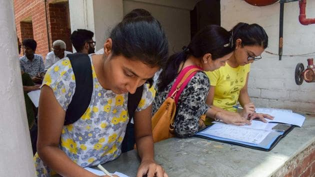 The HRD ministry has sought the Election Commission's nod to start recruitment process in central universities while the model code of conduct is in effect.(PTI /file)