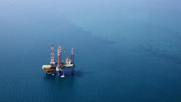 An offshore drilling platform at Manifa , operated by Saudi Aramco. The company on Monday published its first ever profit figures revealing that Ghawar oilfield pumps a maximum of 3.8 million barrels a day -- well below the more than 5 million that had become conventional wisdom in the market.(Bloomberg file photo)