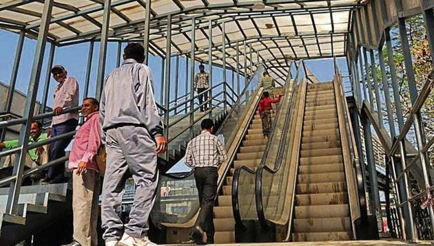 """Officials said escalators at the Iffco Chowk foot overbridge were made functional on Wednesday after """"thorough testing"""".(HT PHoto)"""