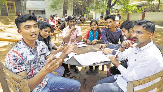 SP college students let fly their views on the upcoming Lok Sabha elections in a discussion held on the college campus on Monday.(RAHUL RAUT/HT PHOTO)