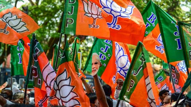 The BJP will focus on community meetings and hold many road shows in the next 20 days, says Girish Bapat.(HT PHOTO)