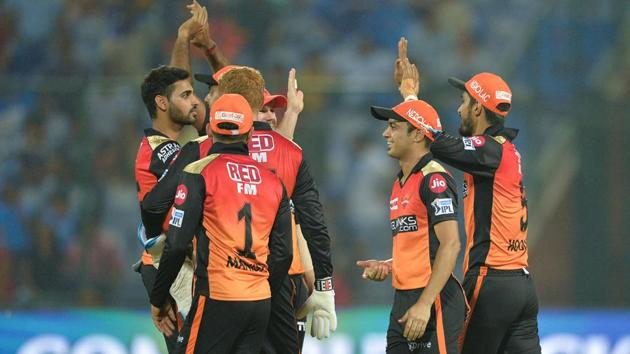 Sunrisers Hyderabad team players celebrate the dismissal of Delhi Capitals cricketer Rishabh Pant during the 2019 Indian Premier League (IPL) Twenty20 cricket match between Delhi Capitals and Sunrisers Hyderabad at the Feroz Shah Kotla(AFP)