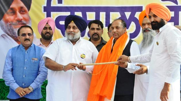 Sukhbir Badal addressed rallies in Chamkaur Sahib, Kharar and Mohali in support of party candidate from Anandpur Sahib, Prem Singh Chandumajra, on Saturday.(HT Photo)