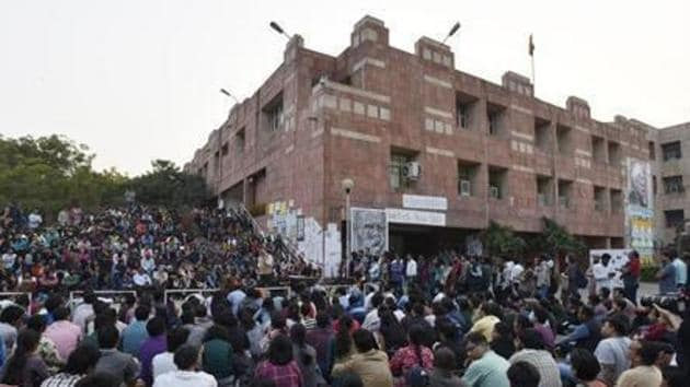 The court, on April 3, had sought a time frame from the Delhi government on taking a call on providing prosecution sanction in the JNU case.(Hindustan Times)