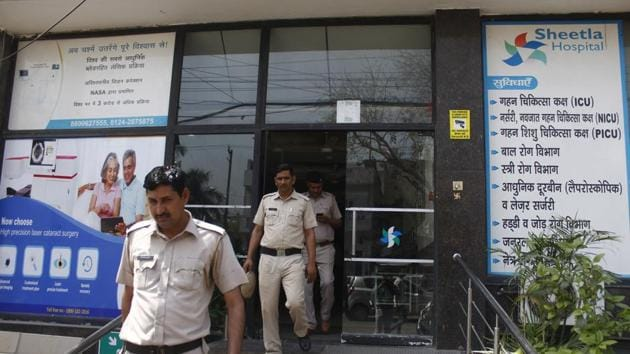 A 25-year-old security guard of a private hospital was stabbed to death on early Friday morning allegedly by another security guard of the same hospital in Sector 9, said the police.(Yogendra Kumar/HT PHOTO)