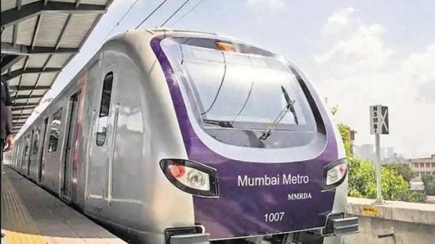 Citizens, however, say that the authorities must also consider last-mile connectivity in the race to finish Metro lines.(HT File)