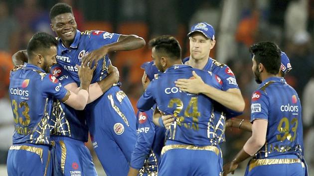 Mumbai Indian's team members celebrate by lifting Alzarri Joseph after their win over Sunrisers Hyderabad.(AP)