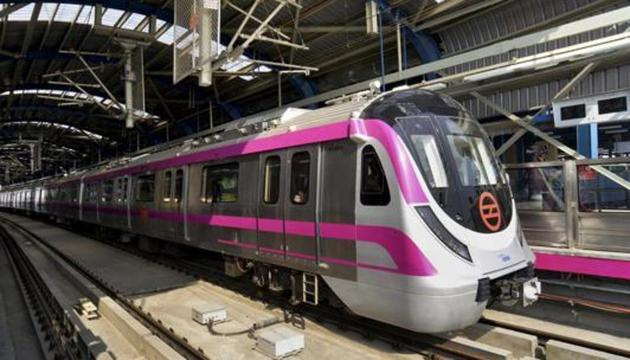 From July, the Delhi Metro Rail Corporation (DMRC) expects to open the 370-metre subway that will connect the Magenta Line metro gate to the arrival and departure areas of the airport.(PTI)