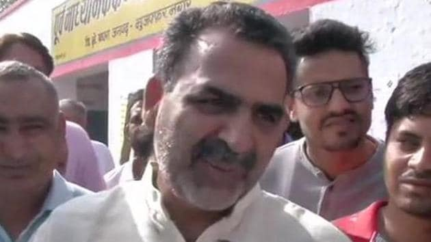 Sanjeev Balyan, the BJP candidate for Muzaffarnagar Lok Sabha seat in western Uttar Pradesh, on Thursday demanded that the faces of burqa-clad women voters should be checked at the polling booths.(ANI)