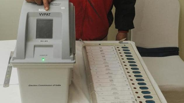 The eight Lok Sabha constituencies of western Uttar Pradesh, where polling is being held in the first of the seven-phase general elections, registered 11.40 per cent voter turnout till 9 am(Parwaz Khan /HT PHOTO)