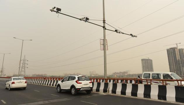 NHAI rectifies faulty alignment of elevated road near Sector 109(Virendra Singh Gosain/HT PHOTO)
