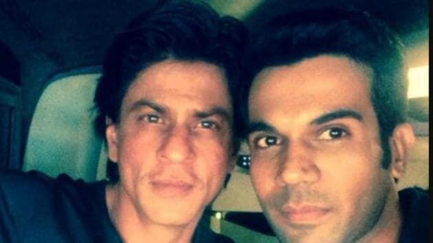 Shah Rukh Khan and Rajkummar Rao pose together.