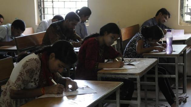 The Karnataka Secondary Education Examination Board (KSEEB) on Monday declared the results of pre-university (PUC) exams.(Hindustan Times)