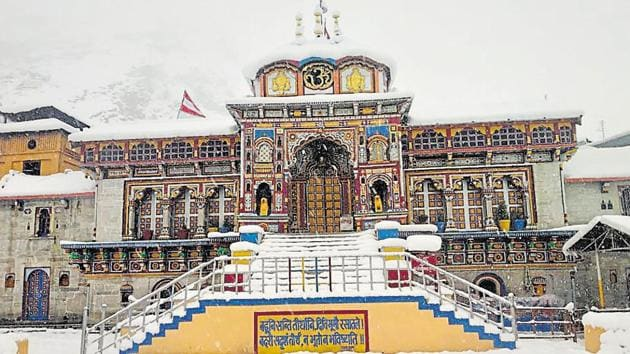 The Badrinath shrine in Uttarakhand's Chamoli district is one of the four shrines in the state form the Chardham Yatra.(HT File Photo)