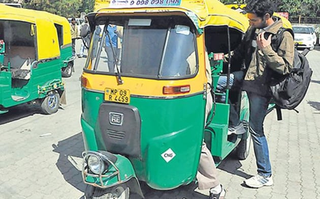 "Imran Raza, secretary to the Road Transport Authority, said, ""We are implementing the apex court's mandate in a long-term manner by not renewing licences for auto-rickshaws that are more than 10 years old.""(HT Photo)"