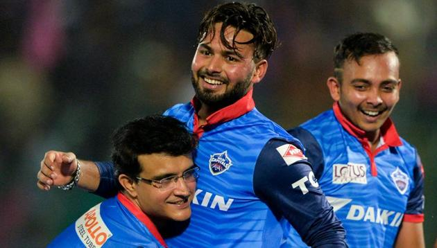 Delhi Capitals team mentor Sourav Ganguly (L) picks up Rishabh Pant (R) as they celebrate after winning the match during the 2019 Indian Premier League (IPL) Twenty20 cricket match between Rajasthan Royals and Delhi Capitals at the Sawai Mansingh Stadium in Jaipur on April 22, 2019(AFP)