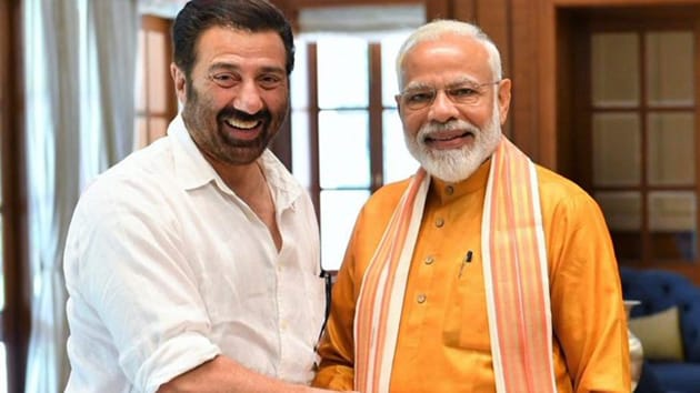 Prime Minister Narendra Modi with actor and BJP's candidate from Gurdaspur Lok Sabah constituency Sunny Deol in Delhi on Sunday.(Twitter)