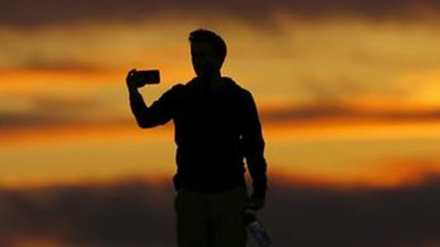 Experts warn that youngsters obsessed with social media are going to extreme lengths in order to post selfies seen as daring and risky.(Reuters/ Representative Image)