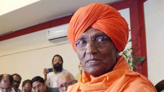 Taking his cue from Sri Lanka banning face veils in the wake of Easter bombings, social activist Swami Agnivesh on Sunday made unusual remarks about the burqa, calling it odd and scary.(ANI)