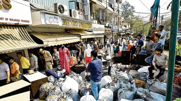 In March 2018, a massive sealing drive was conducted at Amar Colony. Desperate to save their business, the traders protested and clashed with the police. Several were injured in the ensuing lathicharge.(sanchit khanna/ht file)