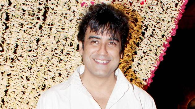 Television actor Karan Oberoi, arrested on charges of raping and blackmailing a woman in suburban Oshiwara, was on Thursday remanded in 14-day judicial custody by a Mumbai court.(Yogen Shah)
