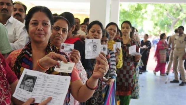 Deputy commissioner Amit Khatri, however, said the voter turnout was fairly good.(HT Photo)