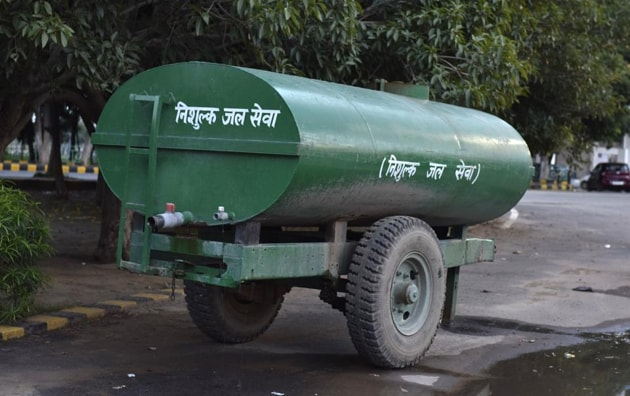 Pioneer Park residents are unhappy with the district administration and the GMDA for not fixing the problem of tanker water mafia menace.(HT Photo)