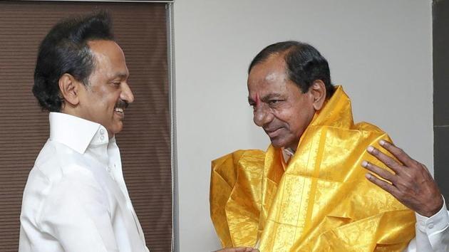 Telangana Rashtra Samithi (TRS) chief and Telangana chief minister K Chandrasekhar Rao on Monday met Dravida Munnetra Kazhagam (DMK) leader MK Stalin.(PTI File Photo)