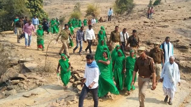 Green crusaders carrying out their drive in villages of Mirzapur.(HT photo)