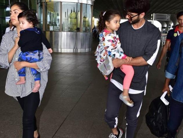 Mira Rajput and Shahid Kapoor with kids Misha and Zain at Mumbai airport.(Varinder Chawla)