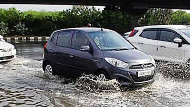 Waterlogging was reported near AIT Chowk on the Golf Course Road. The situation on internal roads was also bad, with residents complaining of heavy waterlogging in Sikanderpur, Cyber City, South City 1-2, DLF Phases 1-2, sectors 10, 28, 29, 47, and 50.(HTPhotos)