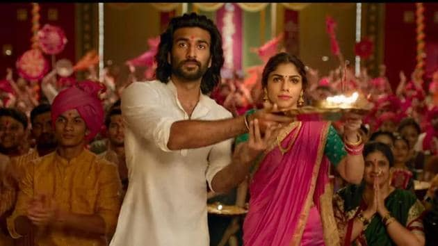 Meezaan and Sharmin Segal in a still from Malaal trailer.
