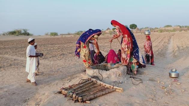 People depend on traditional water bodies in west Rajasthan to get drinking water.(HT Photo)