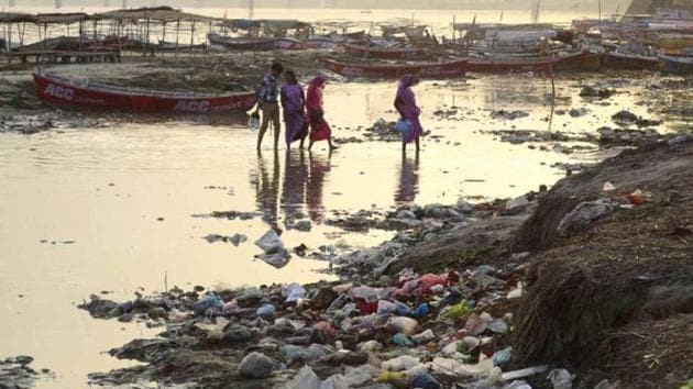 The NGT bench directed the Uttar Pradesh Pollution Control Board to prohibit discharge of any sewage or industrial effluents either directly into the Ganga river or its tributaries.(HT File)