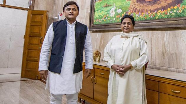 Samajwadi Party President Akhilesh Yadav and Bahujan Samajwadi Party chief Mayawati at latter's residence, in Lucknow, Monday, May 20, 2019.(PTI photo)