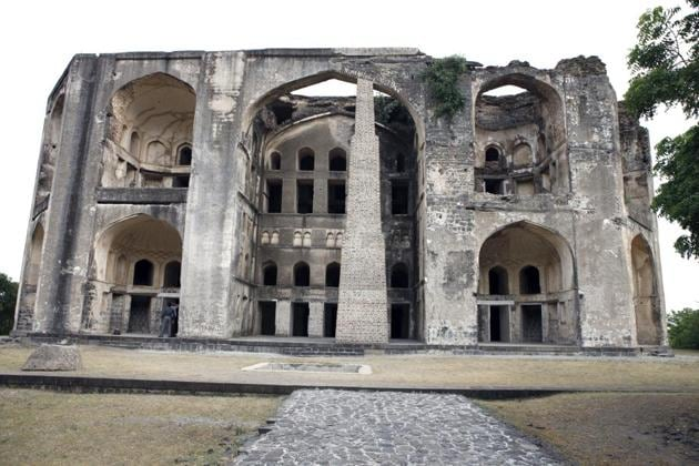 Farah Baug is a 16th-century summer palace of the Ahmednagar sultanate.(HT Photo)