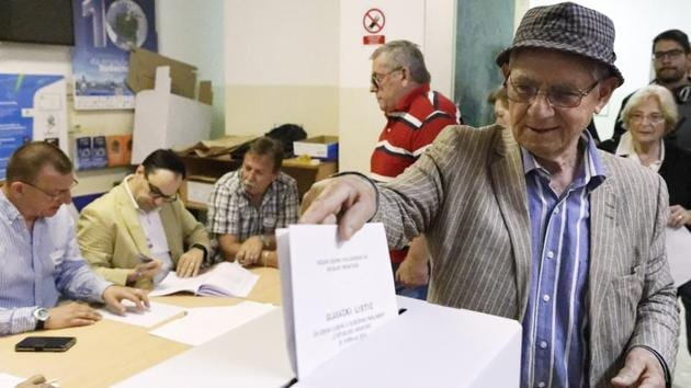 Sunday promises to be a long day and night for election watchers — the last polls close at 11 p.m. (2100 GMT) in Italy but the European Parliament plans to begin issuing estimates and projections hours earlier with the first official projection of the makeup of the new parliament at 11:15 p.m.(AP)