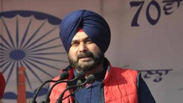 The average vote share of the saffron party during Sidhu's tenure was 51 per cent, which came down to 36 per cent in post-Sidhu period.(HT File Photo)