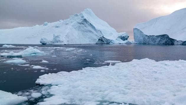 Glaciers worldwide are likely to lose anywhere from 18 to 36 per cent of their mass by 2100.(Getty Images)