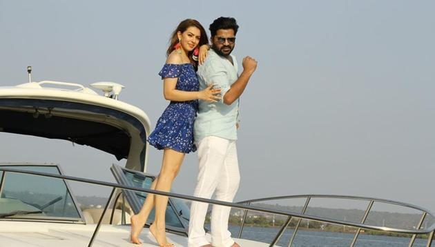 Hansika and Simbu shoot for Maha in Goa.