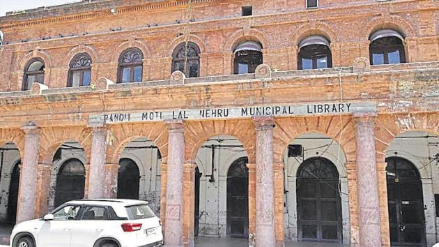 The Pandit Moti Lal Nehru Municipal Library at Town Hall in Amritsar.(Sameer Sehgal / HT Photo)