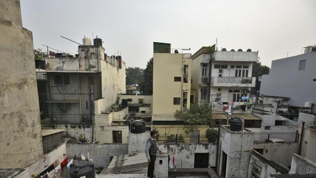 Spread over an area of over 28 sq km, LBZ is governed by a strict building law that does not allow construction of basements and caps the number of floors.(Burhaan Kinu/HT PHOTO)