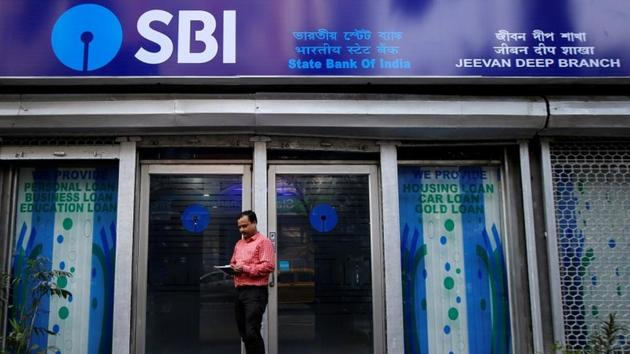 SBI clerk admit card 2019 : The State Bank of India (SBI) has released the admit card for the preliminary examination to recruit clerk (Junior Associates - customer support and sales) in the state-run-bank.(REUTERS)