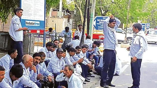 All the affected workers went to the residence of PWD minister Rao Narbir in the morning.(HT Photo)