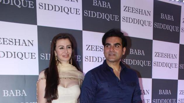 Arbaaz Khan and girlfriend Giorgia Andriani at Baba Siddique's iftar party.(Varinder Chawla)