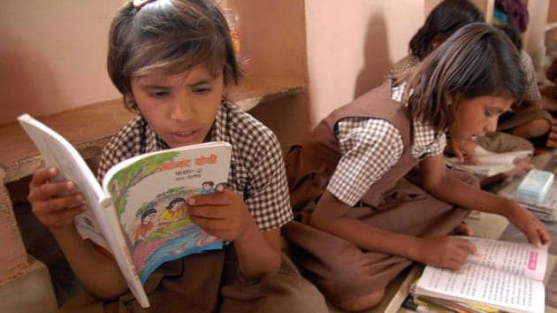 On June 3, an expert panel submitted the draft New Education Policy (NEP) to the human resource development (HRD) ministry. The draft required students from non-Hindi states to study Hindi and English apart from the regional languages. This move led to a controversy, with several political parties from the south and Maharashtra protesting the move.(HT FILE PHOTO)