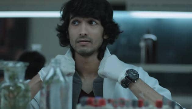 Medically Yourrs review: Shantanu Maheshwari plays the weak and selfish protagonist Abir Basu.