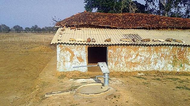 A dried-up hand pump at Ghorawal village in Sonbhadra.(HT Photo)